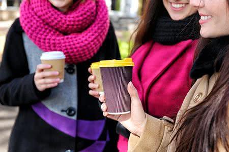 Cappuccino mit rohem Ei