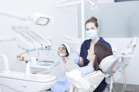 Berufshaftpflicht Zahnarzt » VersicherungsCheck24
