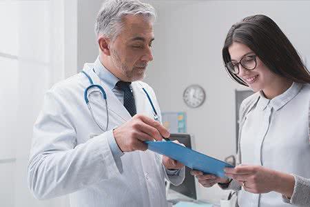zufriendene Patientin